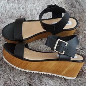 Black Steve Madden Platform Sandals